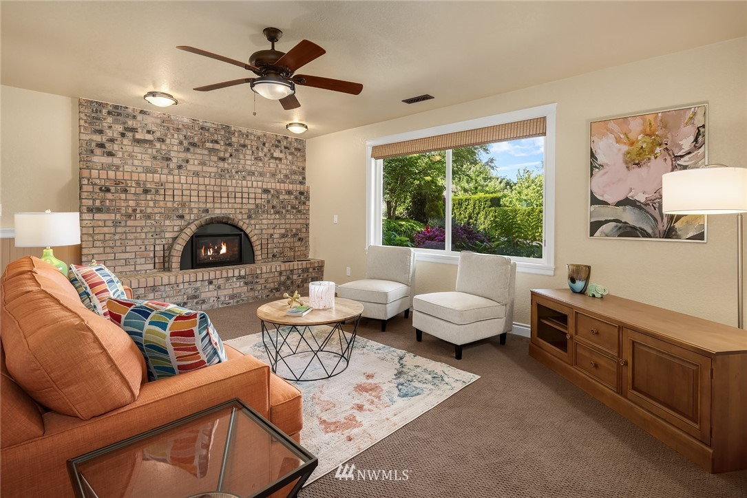 Sold Property   11824 79th Avenue S Seattle, WA 98178 23