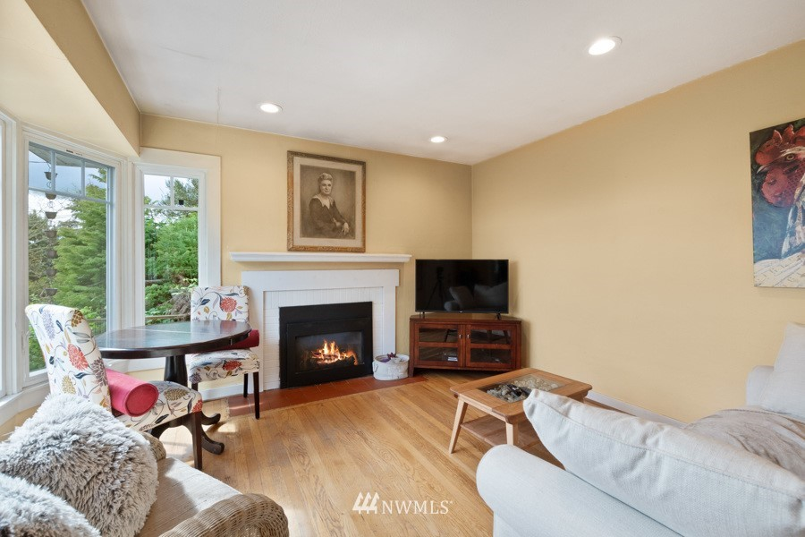 Sold Property | 4437 34th Avenue S Seattle, WA 98118 2
