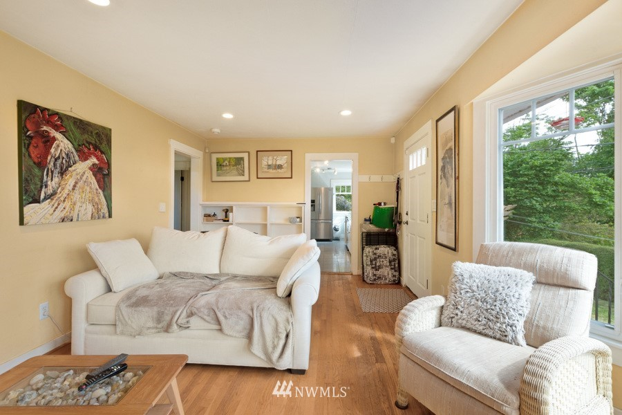 Sold Property | 4437 34th Avenue S Seattle, WA 98118 5