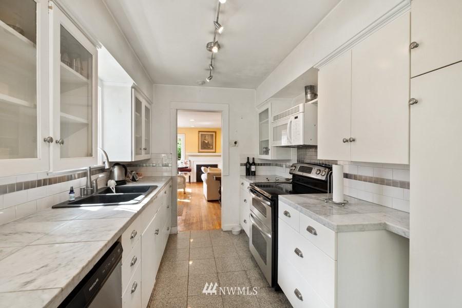 Sold Property | 4437 34th Avenue S Seattle, WA 98118 8