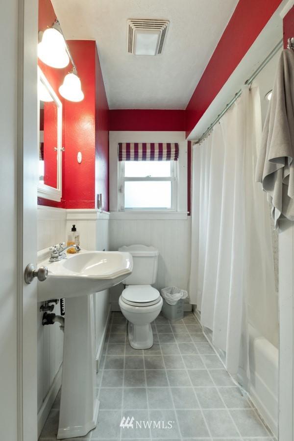 Sold Property | 4437 34th Avenue S Seattle, WA 98118 11