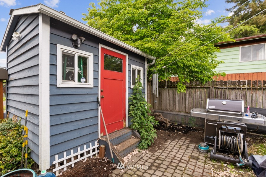 Sold Property | 4437 34th Avenue S Seattle, WA 98118 19