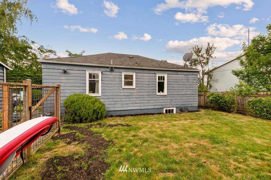 Sold Property | 4437 34th Avenue S Seattle, WA 98118 16