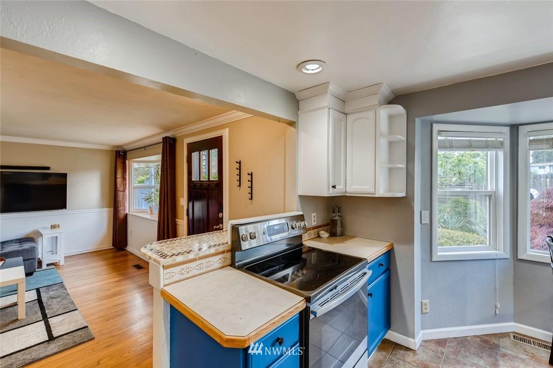 Sold Property   7561 S 120th Street Seattle, WA 98178 8