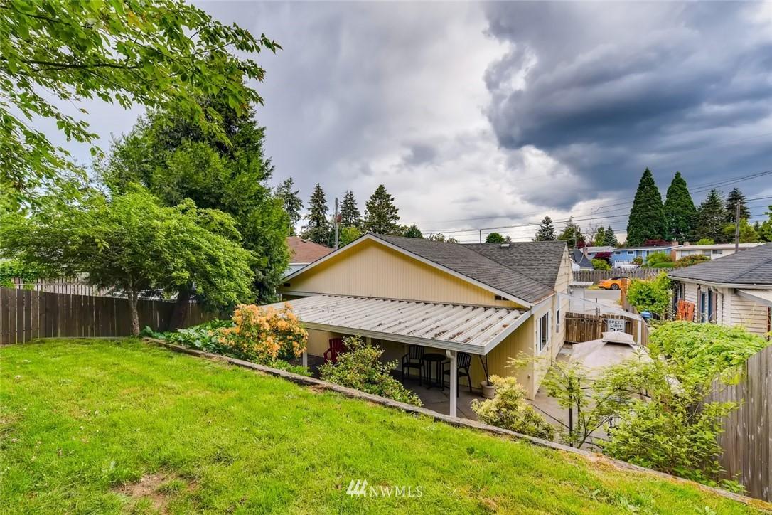 Sold Property   7561 S 120th Street Seattle, WA 98178 24