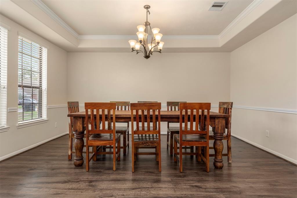 Pending | 22626 Pineleigh Court Tomball, Texas 77375 10