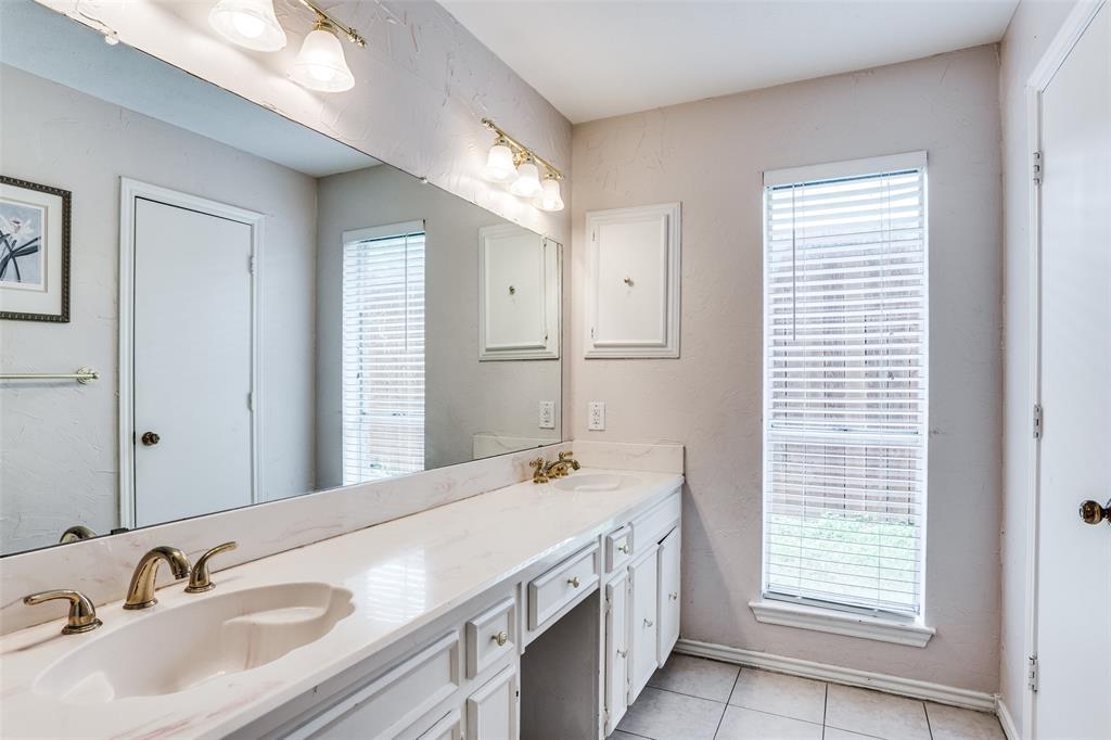 Sold Property   16818 Thomas Chapel Drive Dallas, Texas 75248 17