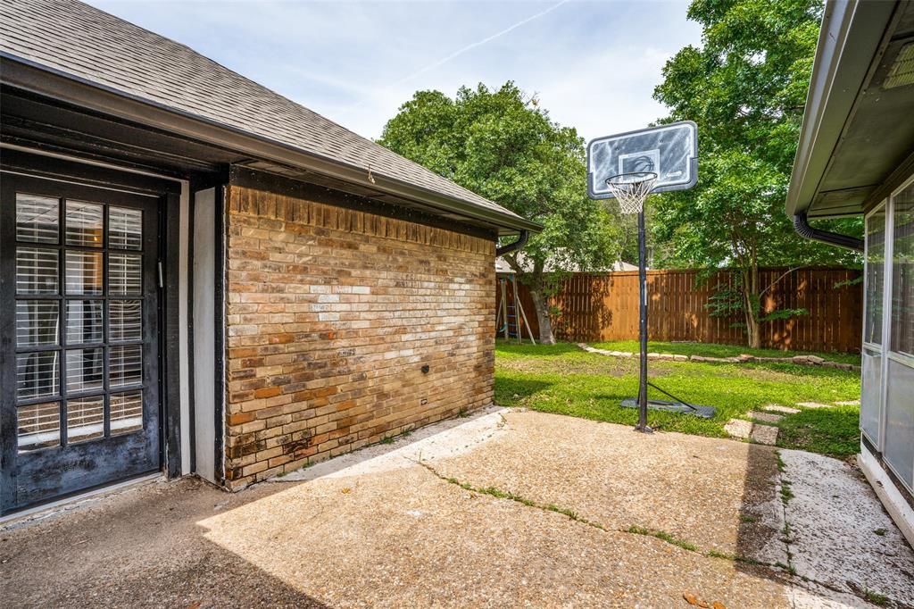 Sold Property   16818 Thomas Chapel Drive Dallas, Texas 75248 23