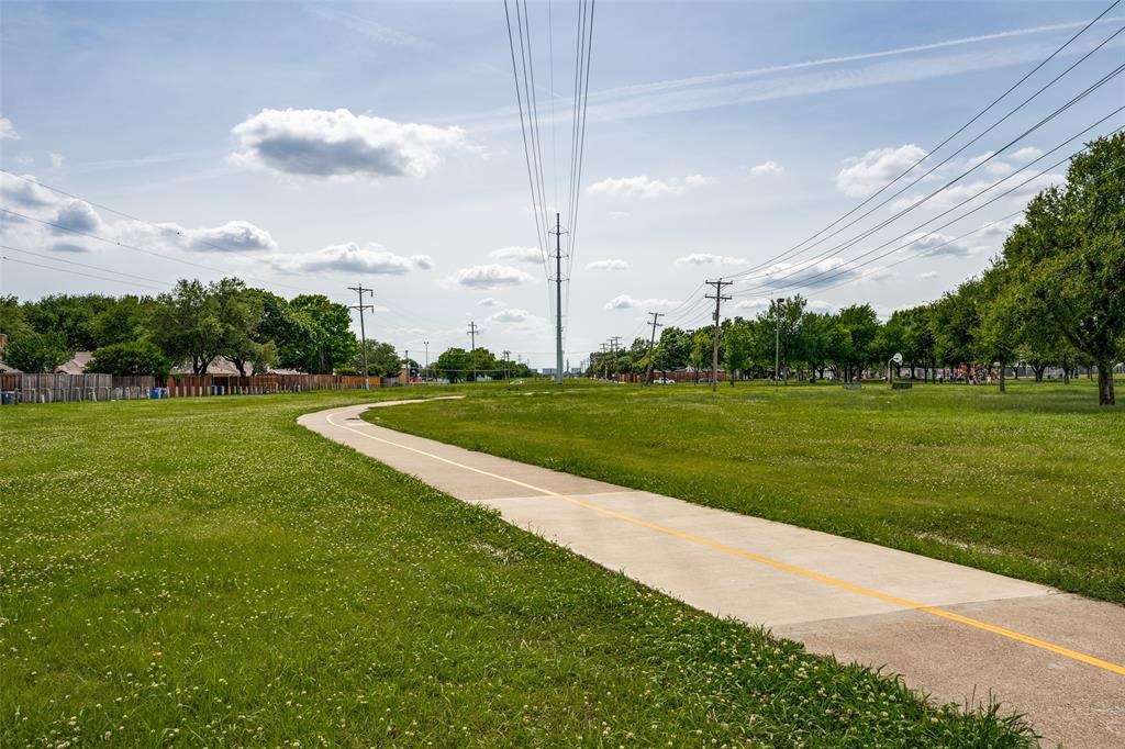 Sold Property   16818 Thomas Chapel Drive Dallas, Texas 75248 24