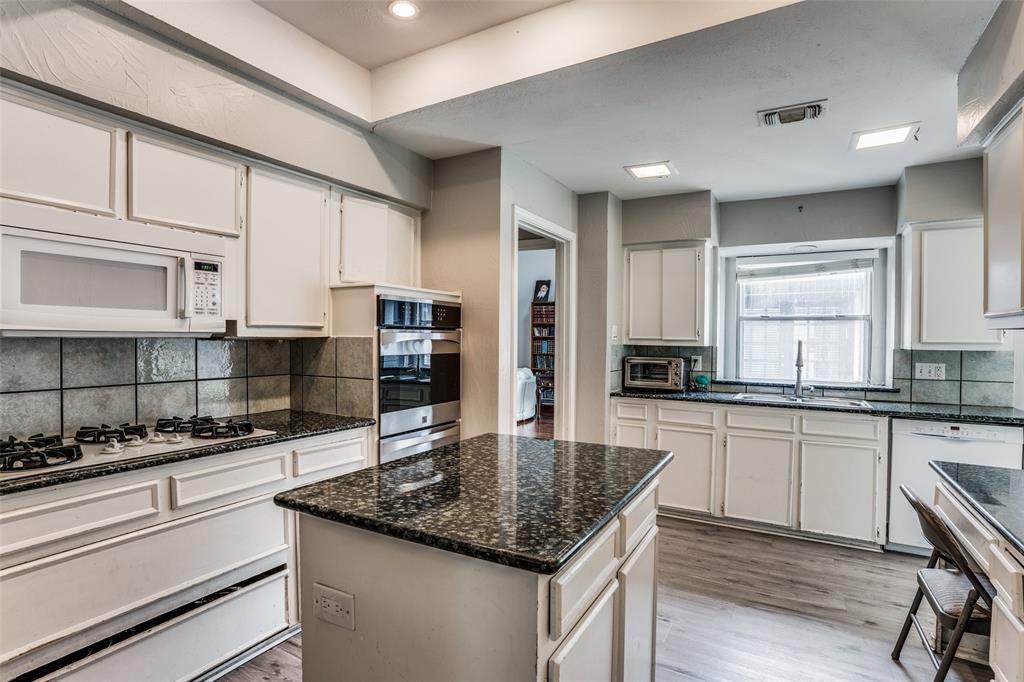 Sold Property   16818 Thomas Chapel Drive Dallas, Texas 75248 3
