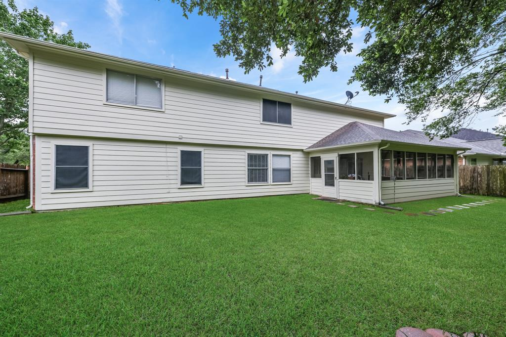 Pending   6021 Whispering Lakes Drive Katy, Texas 77493 42