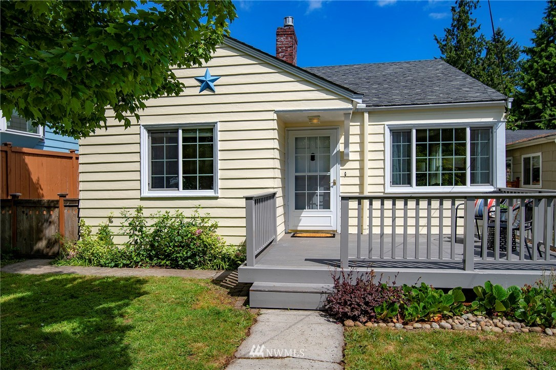 Sold Property | 10334 Interlake Avenue N Seattle, WA 98133 0