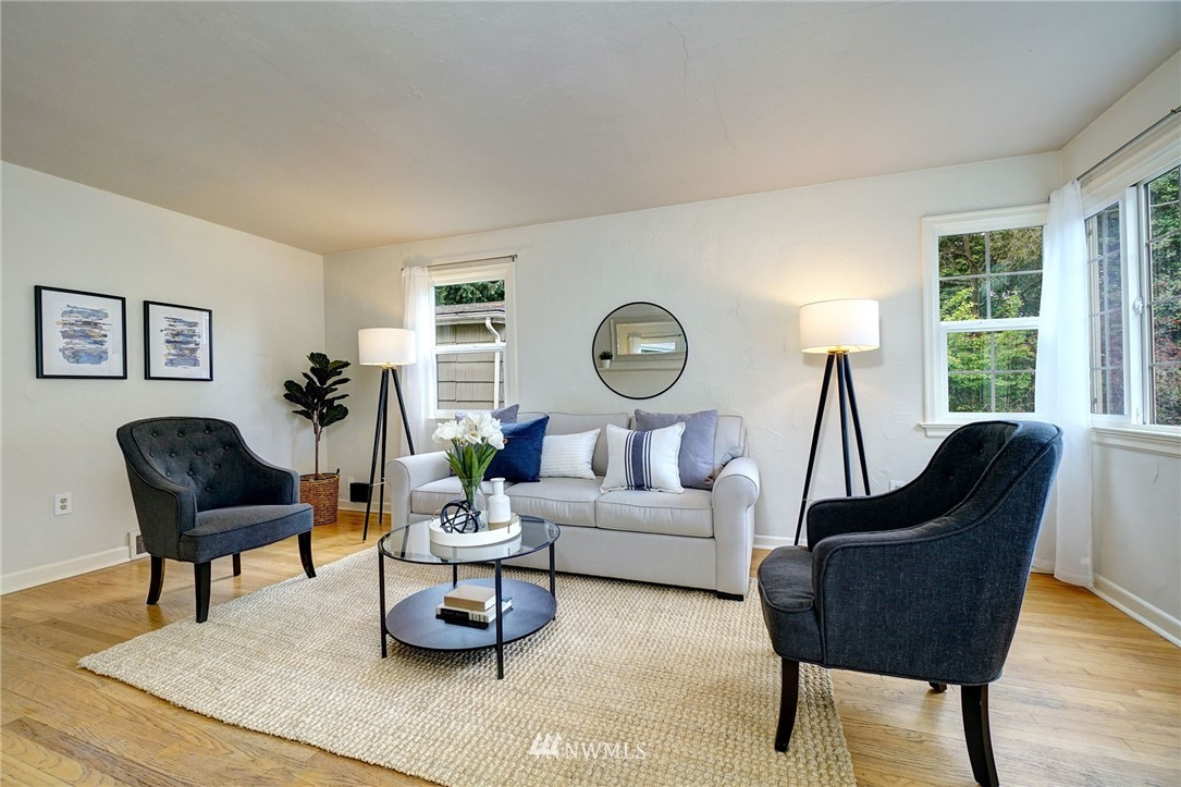Sold Property | 10334 Interlake Avenue N Seattle, WA 98133 3