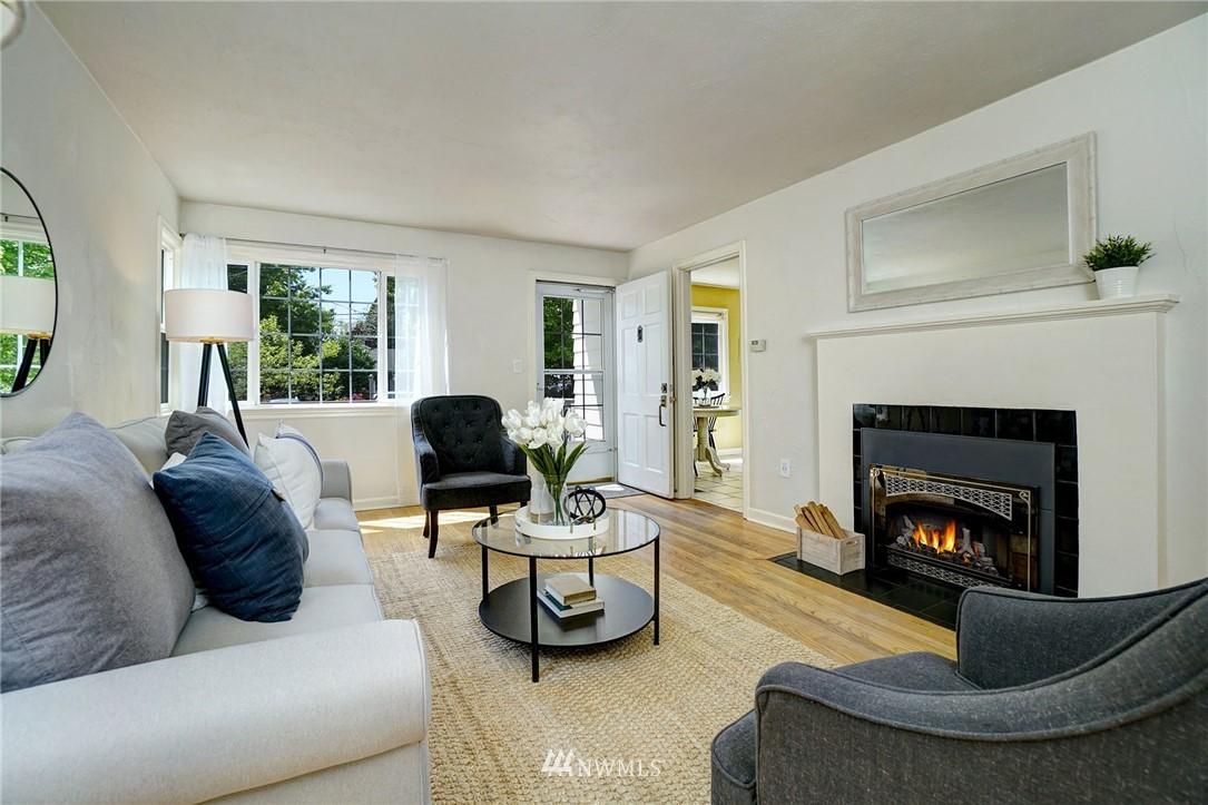 Sold Property | 10334 Interlake Avenue N Seattle, WA 98133 6