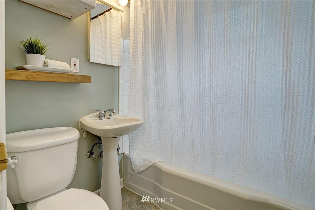 Sold Property | 10334 Interlake Avenue N Seattle, WA 98133 8