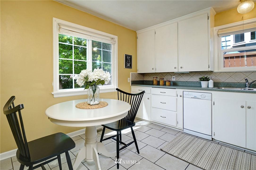 Sold Property | 10334 Interlake Avenue N Seattle, WA 98133 11