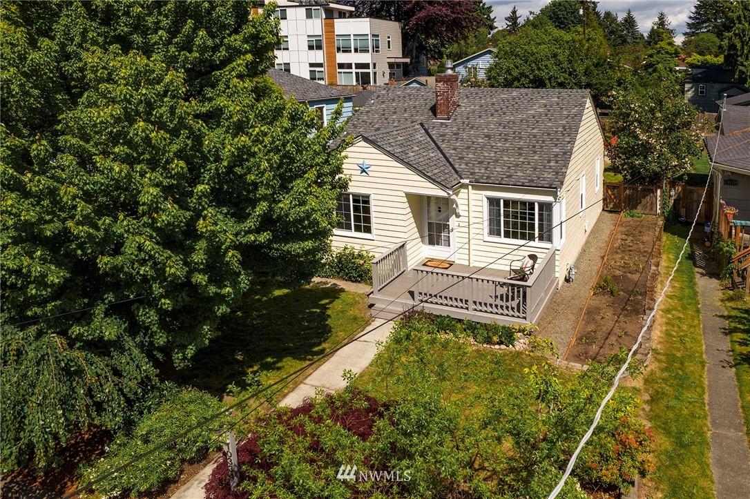 Sold Property | 10334 Interlake Avenue N Seattle, WA 98133 1
