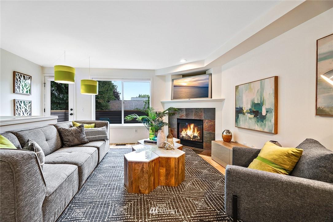 Sold Property | 11730 Greenwood Avenue N Seattle, WA 98133 2