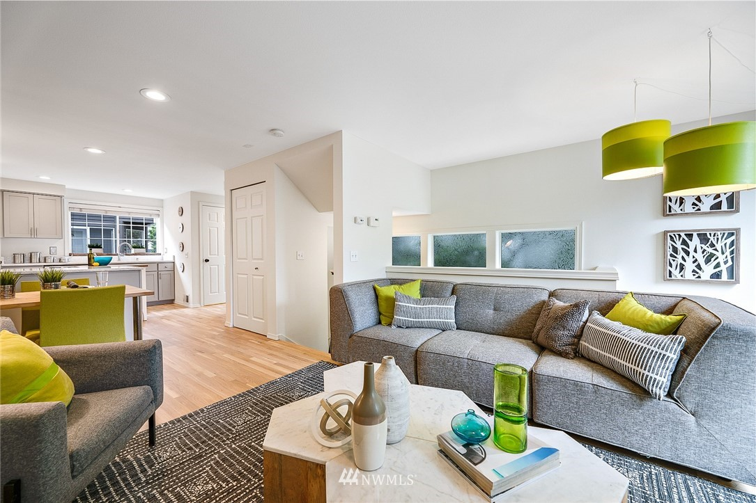 Sold Property | 11730 Greenwood Avenue N Seattle, WA 98133 5
