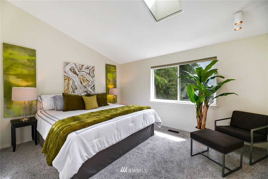 Sold Property | 11730 Greenwood Avenue N Seattle, WA 98133 14