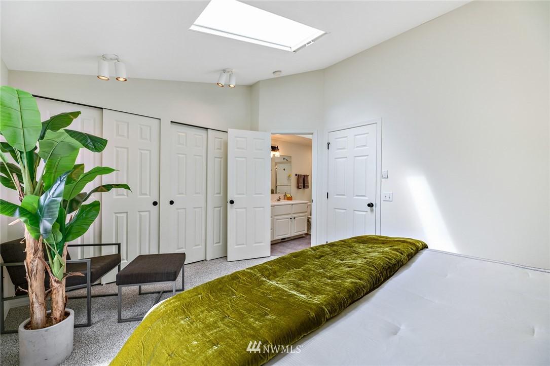Sold Property | 11730 Greenwood Avenue N Seattle, WA 98133 15