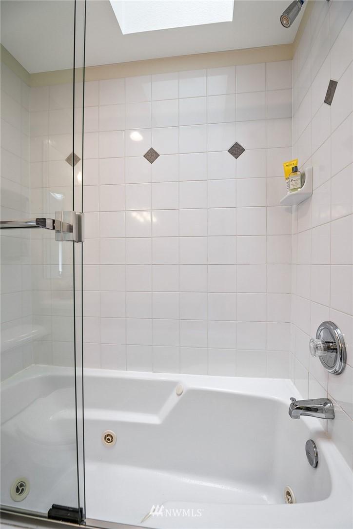 Sold Property | 11730 Greenwood Avenue N Seattle, WA 98133 17