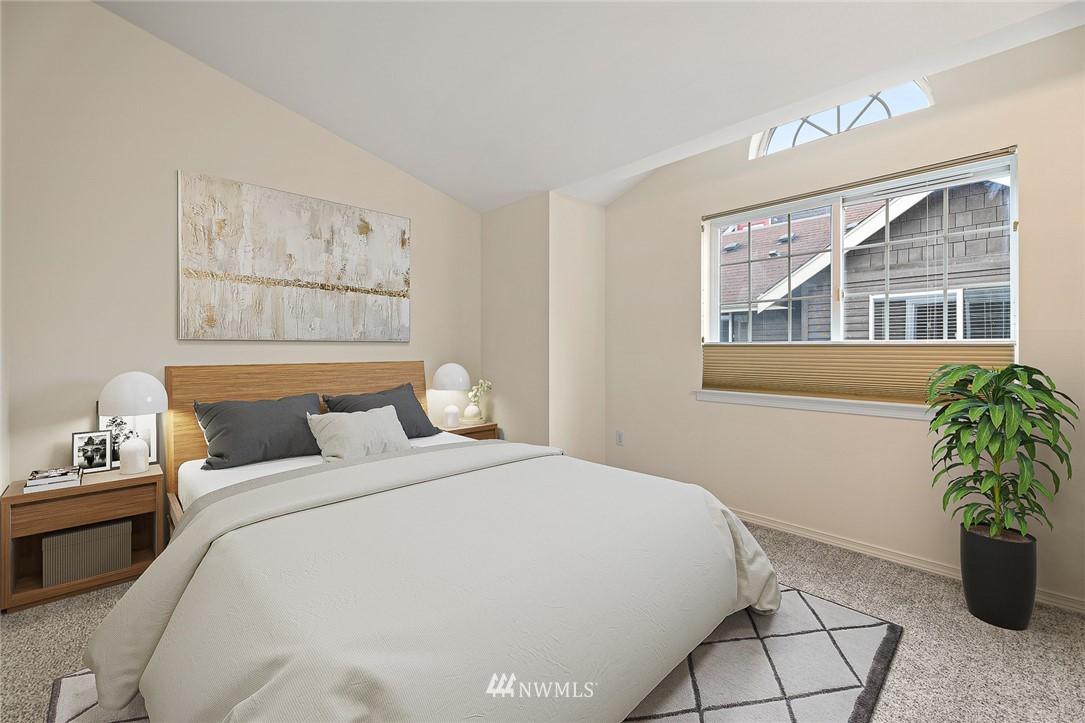 Sold Property | 11730 Greenwood Avenue N Seattle, WA 98133 18