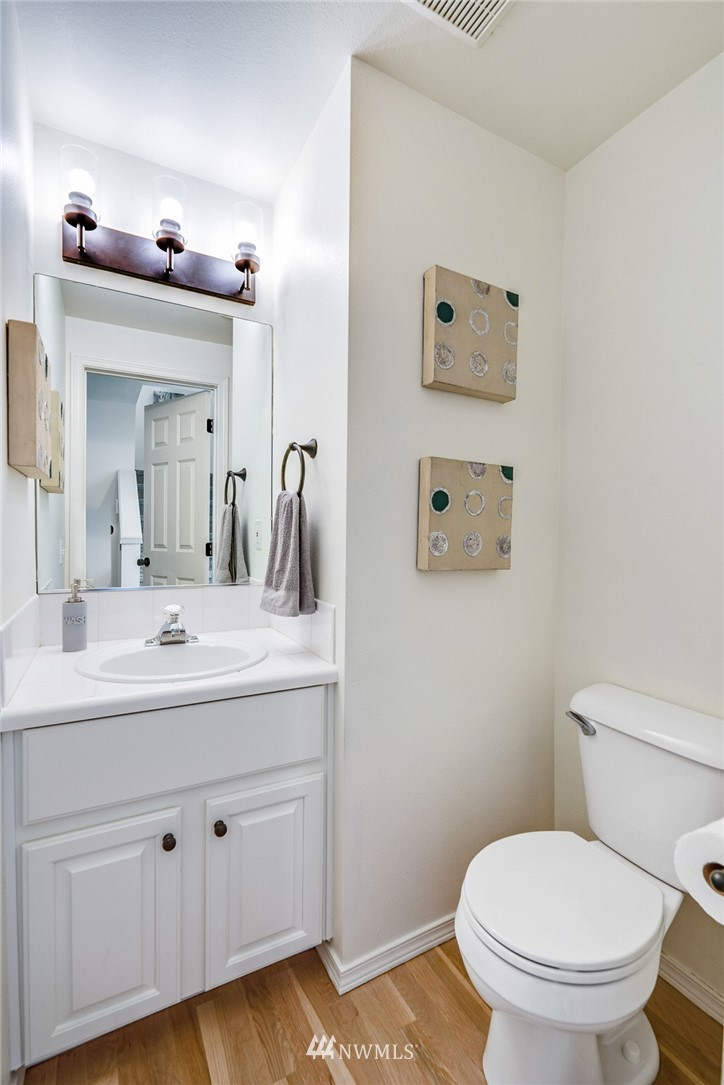 Sold Property | 11730 Greenwood Avenue N Seattle, WA 98133 13