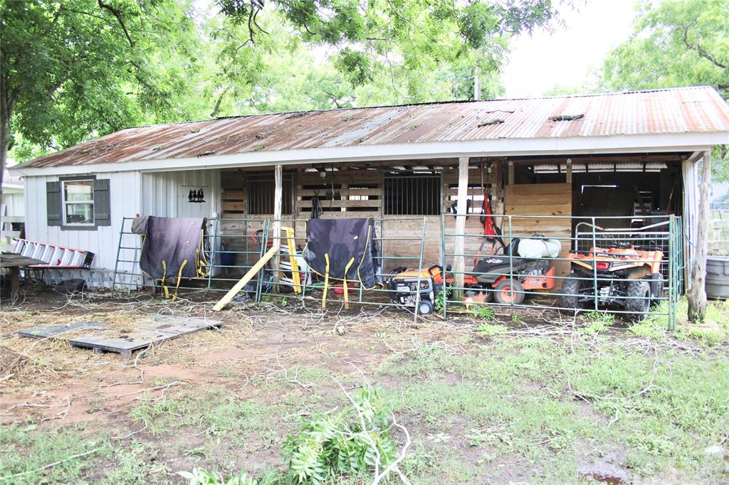 Off Market   1527 Wagon Road Simonton, Texas 77476 40