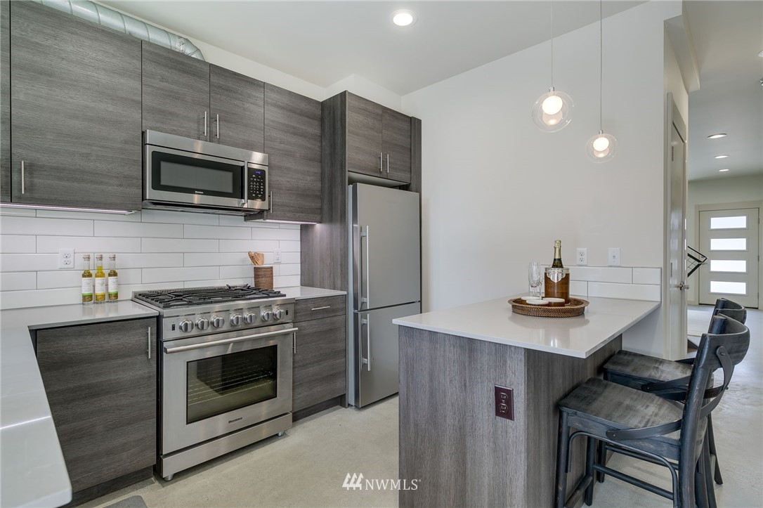 Sold Property | 5511 4th Avenue NW #C Seattle, WA 98107 7