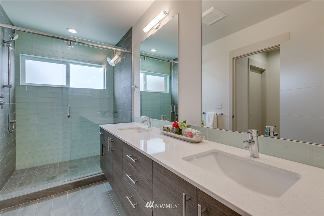 Sold Property | 5511 4th Avenue NW #C Seattle, WA 98107 20