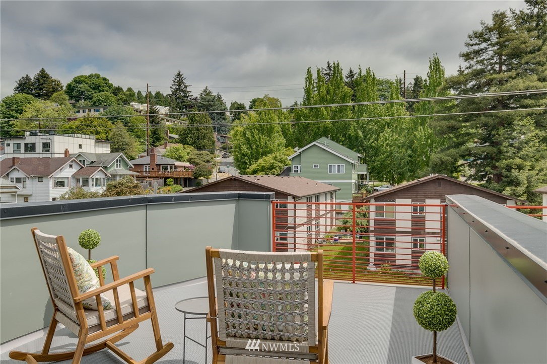 Sold Property | 5511 4th Avenue NW #C Seattle, WA 98107 23