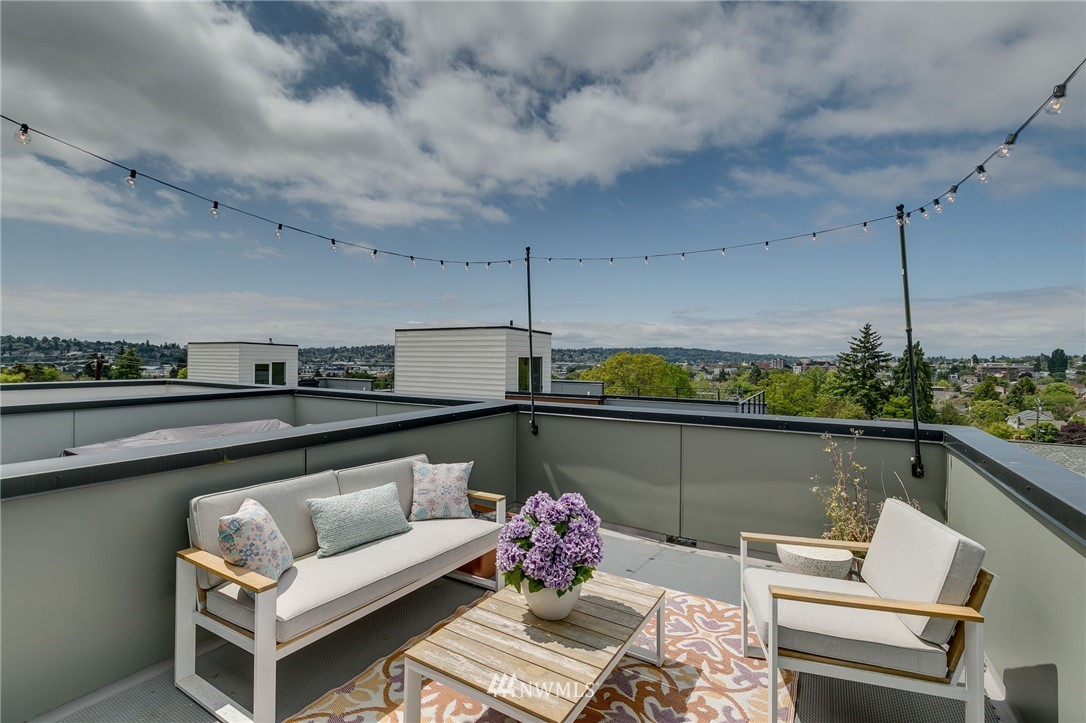 Sold Property | 5511 4th Avenue NW #C Seattle, WA 98107 25