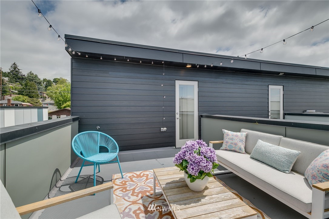 Sold Property | 5511 4th Avenue NW #C Seattle, WA 98107 27