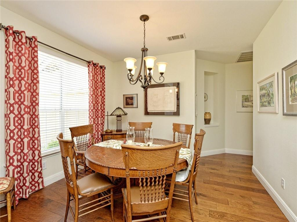 Active | 135 Brentwood Drive Georgetown, TX 78628 4