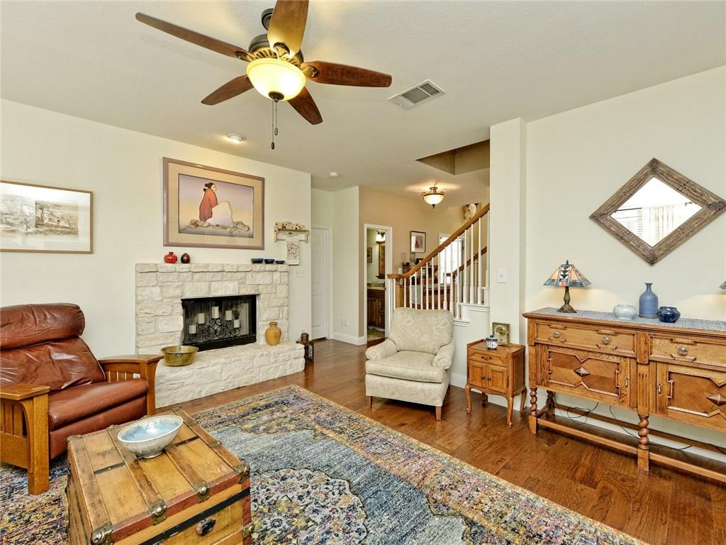 Active | 135 Brentwood Drive Georgetown, TX 78628 6