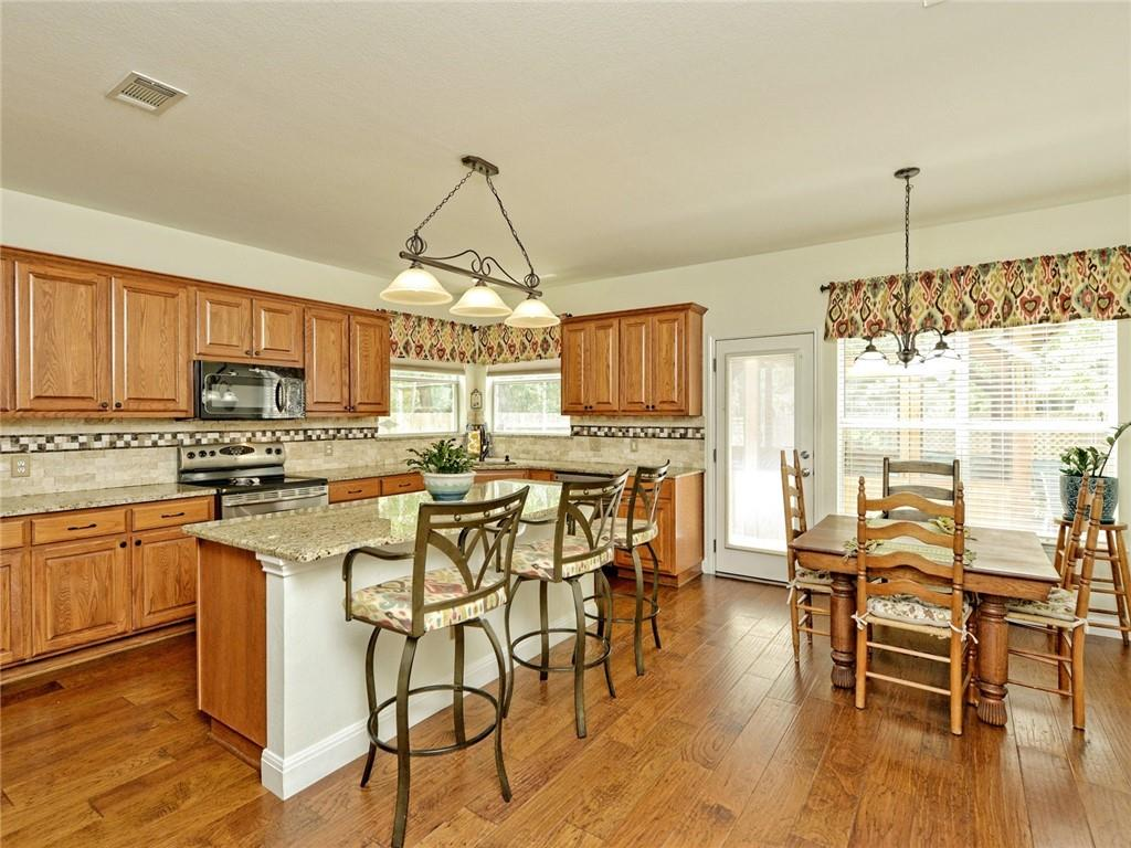 Active | 135 Brentwood Drive Georgetown, TX 78628 12