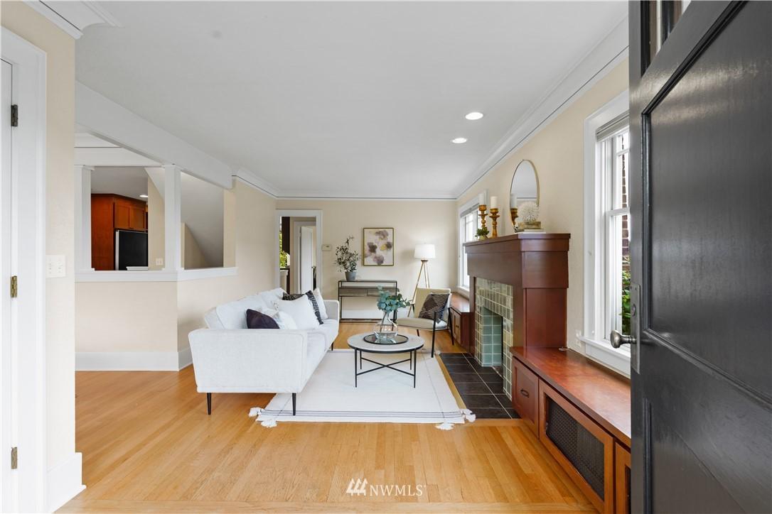 Sold Property | 307 N 48th Street Seattle, WA 98103 3