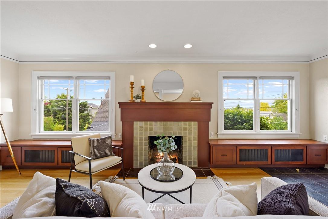 Sold Property | 307 N 48th Street Seattle, WA 98103 4