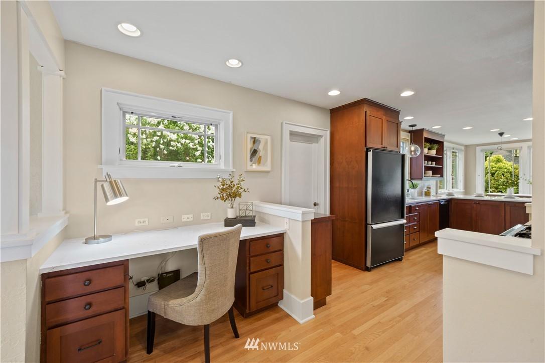 Sold Property | 307 N 48th Street Seattle, WA 98103 9