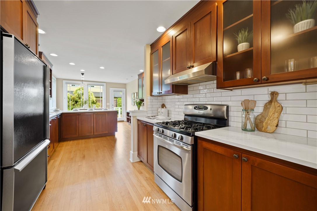Sold Property | 307 N 48th Street Seattle, WA 98103 10