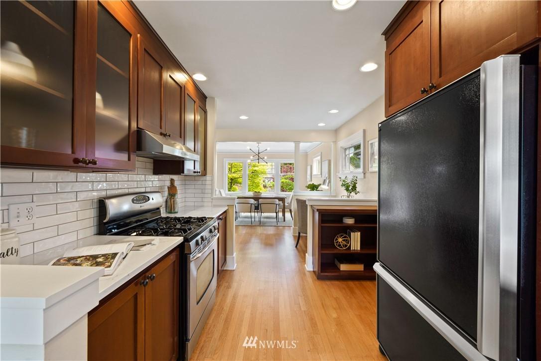 Sold Property | 307 N 48th Street Seattle, WA 98103 11