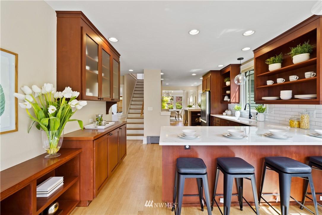 Sold Property | 307 N 48th Street Seattle, WA 98103 15