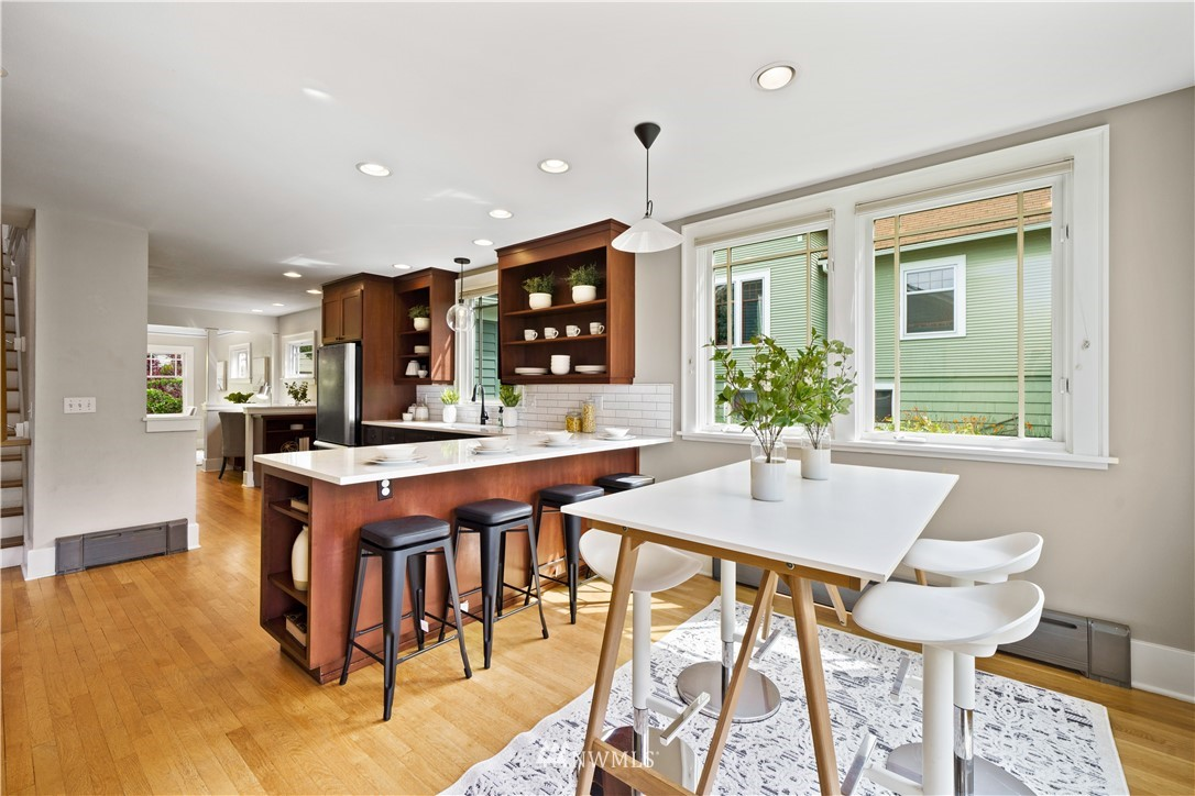 Sold Property | 307 N 48th Street Seattle, WA 98103 16