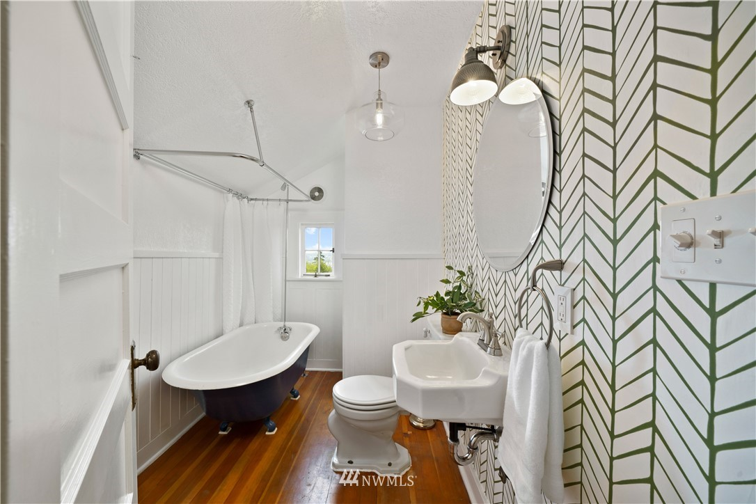 Sold Property | 307 N 48th Street Seattle, WA 98103 26