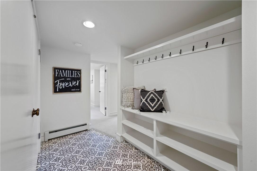 Sold Property | 307 N 48th Street Seattle, WA 98103 32