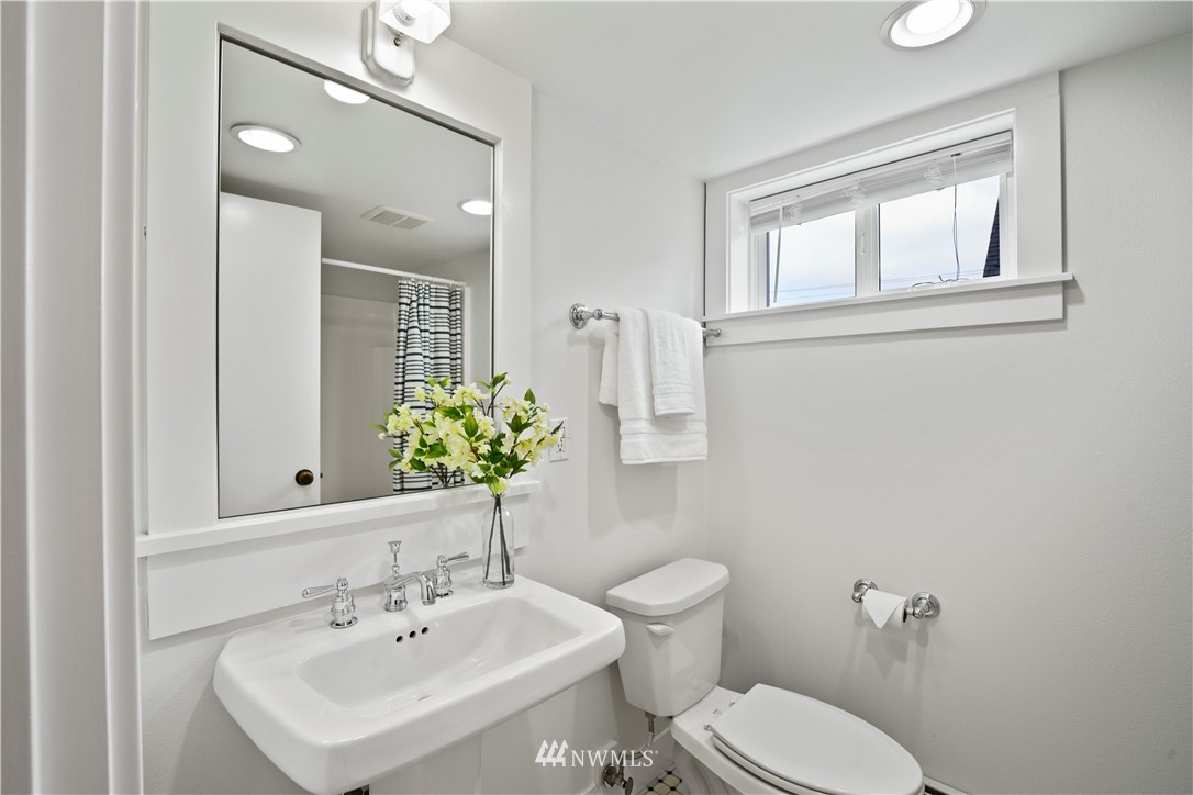 Sold Property | 307 N 48th Street Seattle, WA 98103 30