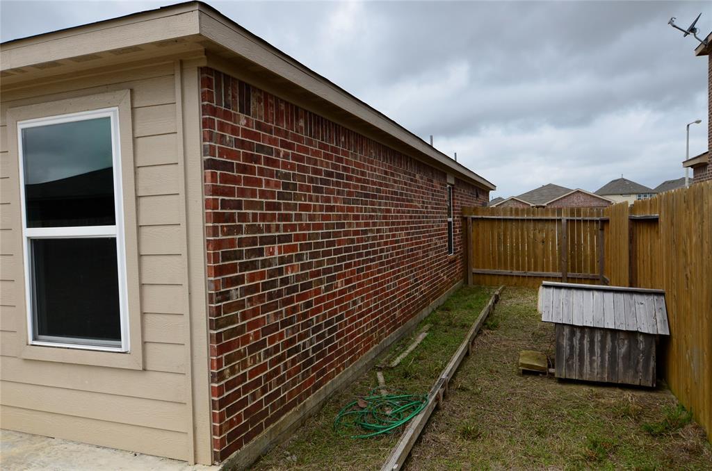 Pending | 2430 Regatta Lane Texas City, Texas 77568 19