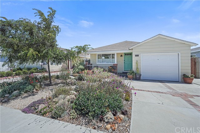 Active Under Contract | 4866 W 137th Street Hawthorne, CA 90250 1