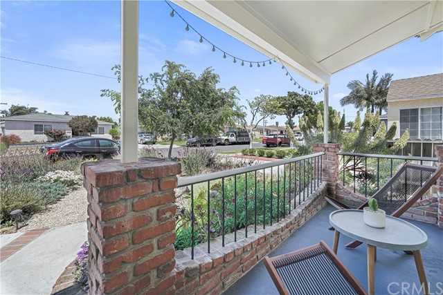 Active Under Contract | 4866 W 137th Street Hawthorne, CA 90250 2